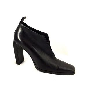 GUCCI Black Leather Slit Open Ankle Boots Bootie 6